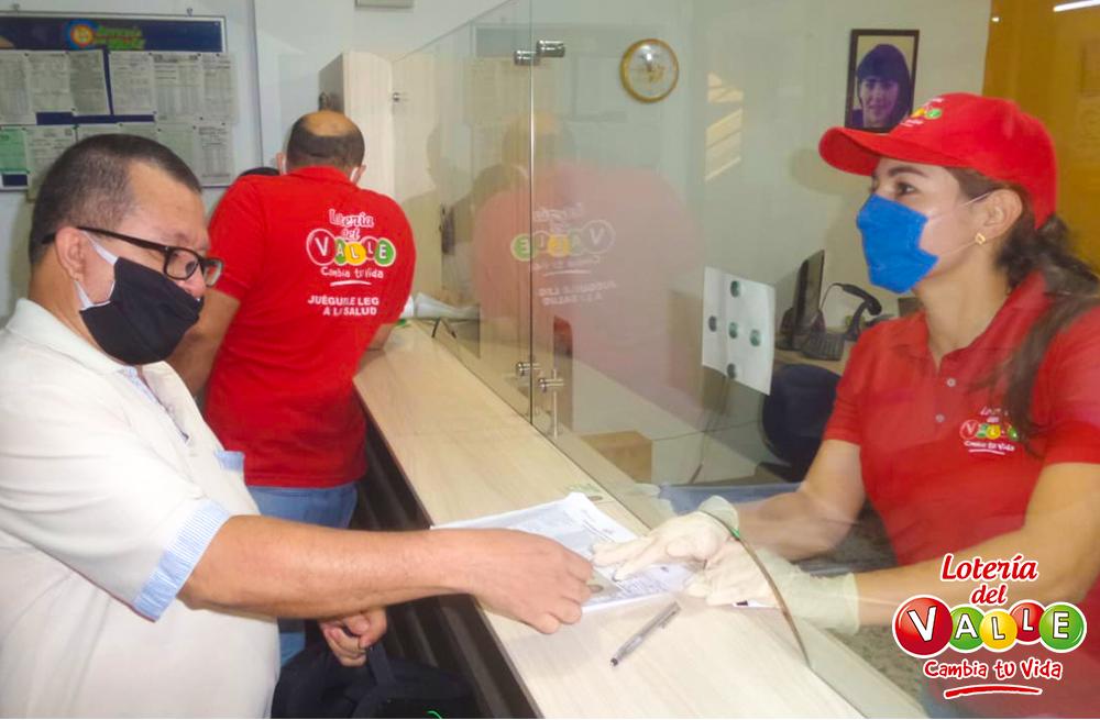 """<a href=""""/fotos/general/segunda-entrega-de-bonos-alimenticios-loteros-de-cartago"""">Segunda entrega de bonos alimenticios a loteros de Cartago</a>"""