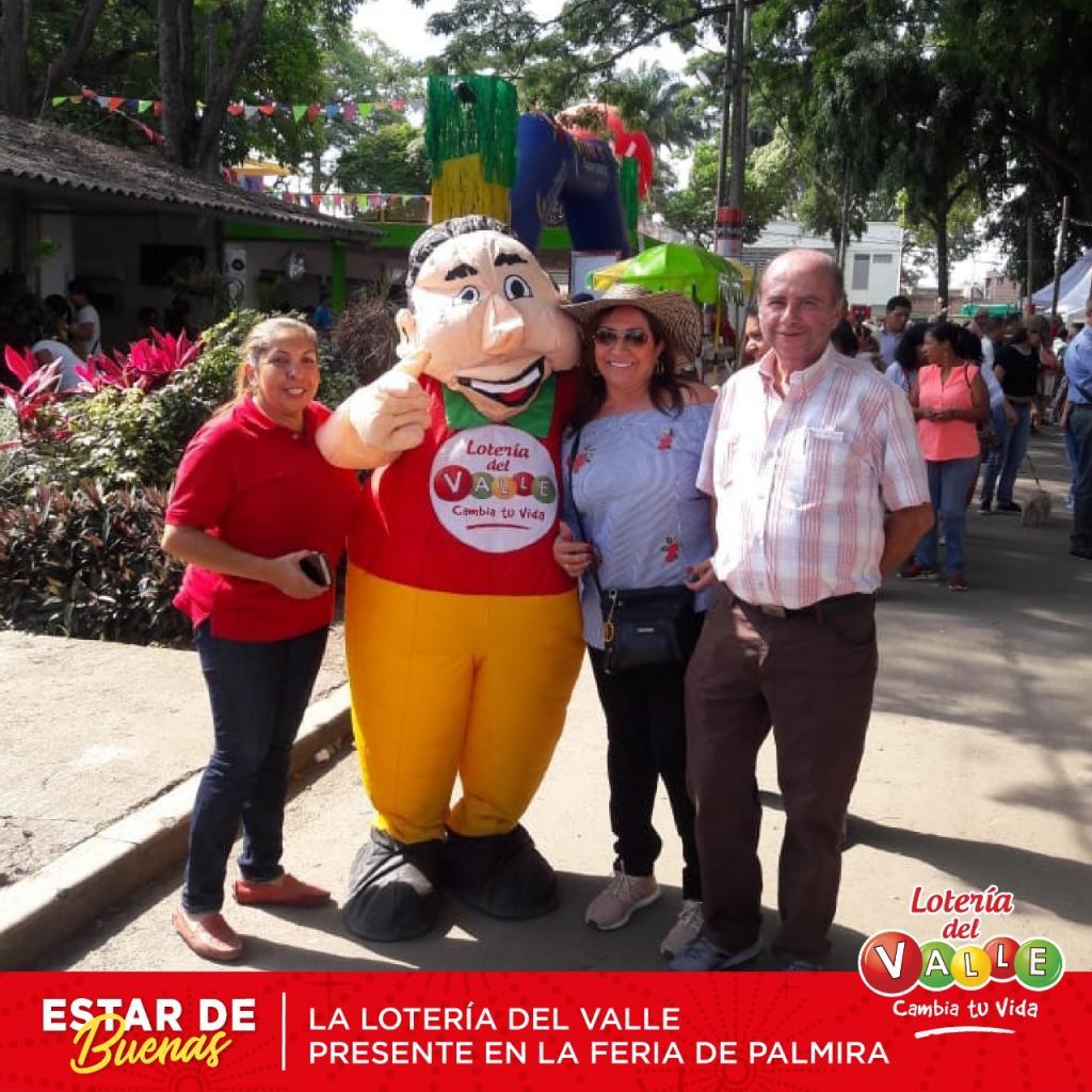"""<a href=""""/fotos/general/feria-de-palmira"""">Feria de Palmira</a>"""